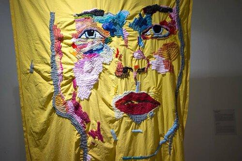 «Автопортрет». У межах виставки «Textus. Вишивка, текстиль, фемінізм», Київ, 2017